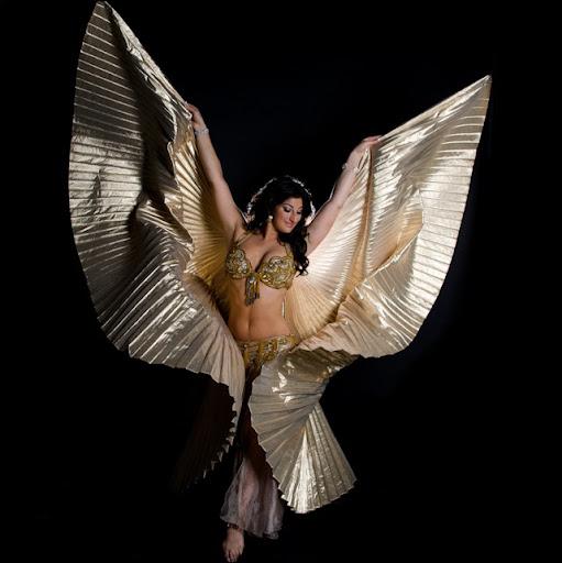 Denise Arias Photo 15