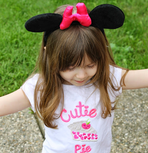 Minnie Mouse Ears Pink Bow