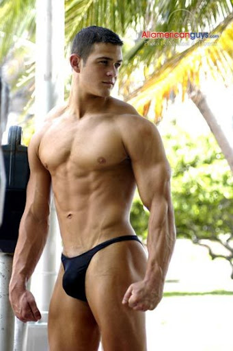 Picture About Male Body Builder Shane Holiday