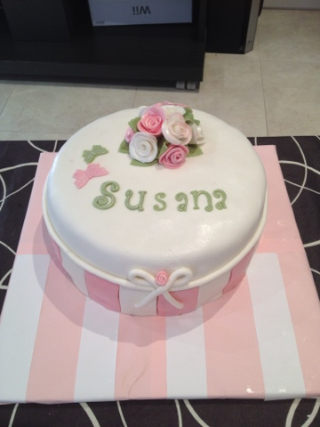 Sugardreamsgandia bouquet rosas tarta fondant cumple Susana base