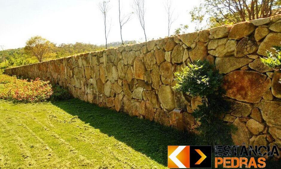 Muro de Arrimo em Sandovalina