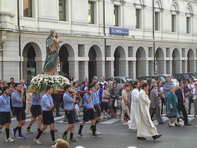 Un momento della processione del 2013