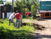 En la jornada de jueves, el Gobierno municipal a través de las áreas de Servicios Públicos y Cooperativas Cañuelas Trabaja organizó el plan de reparación de la red vial en caminos y cunetas.