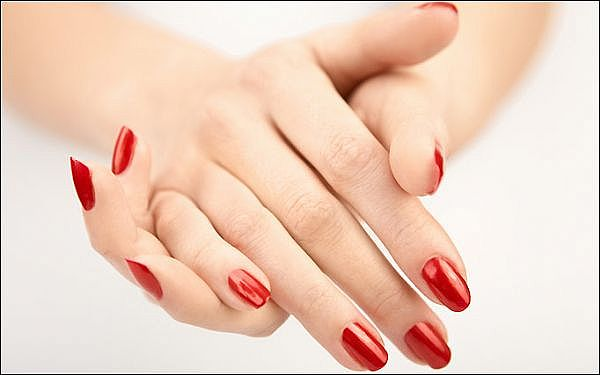 ACRYLIC NAILS: How to Pick Out the Perfect Nail Polish ...