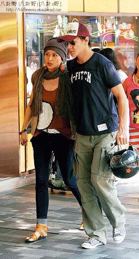 本週一( 10日)邵美琪同男友施祖男做完療程後,便坐男友電單車回家。回春後一身型女打扮的她,望落比實際年齡後生。
