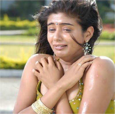 way2heroines priyamani actress crying in toss movie