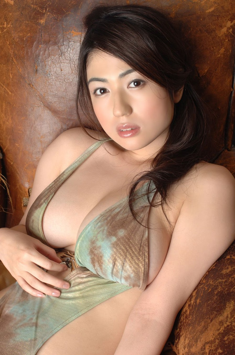 Nonami Takizawa - Japanese gravure idol & female talent