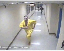 Prisoner Escaped Image