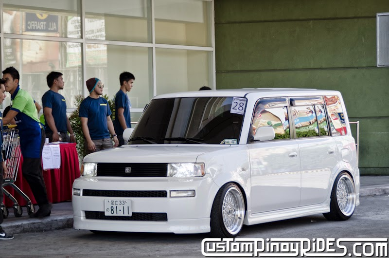 Slammed and Stanced Brothers Toyota bB1 and bB2 Custom Pinoy Rides Car Photography Manila Philippines Philip Aragones THE aSTIG pic5