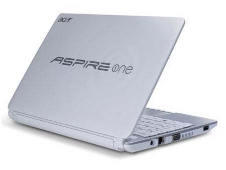 Acer%2520Aspire%2520One%2520D270%25202 Acer Aspire One D270: Netbook with Cedar Trail Processor Review and Specs