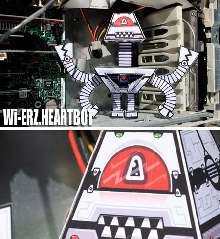 WiERZ Paper Toy Heart Bot