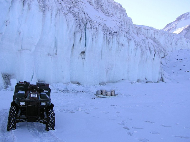 Collecting glacier ice to melt for drinking water, 2004-2005 season (photo by A. Chiuchiolo)