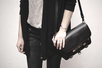วิธีซักผ้าสีดำ,วิธีซักผ้าสีดำไม่ให้ซีด,ซักผ้าสีดำไม่ให้ซีด,ซักผ้าสีดำไม่ให้สีซีด