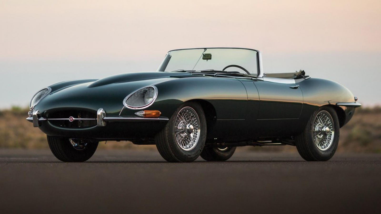 1965 Jaguar E-Type Series 1 4.2-Lít Roadster