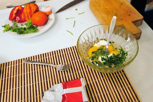 razvan anton omleta oua patrunjel smantana sare