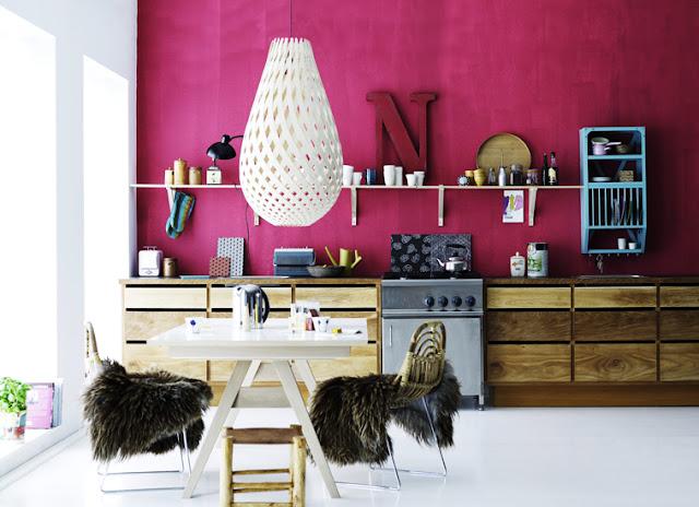 Roze met hout villa d 39 esta interieur en wonen - Roze keuken fuchsia ...