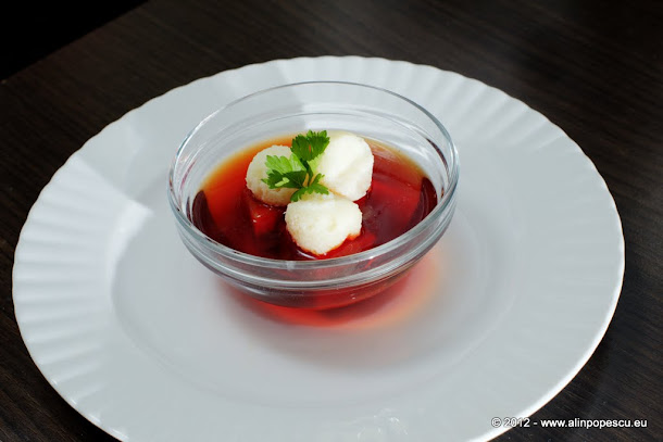 Supa de sfecla rosie cu galusti
