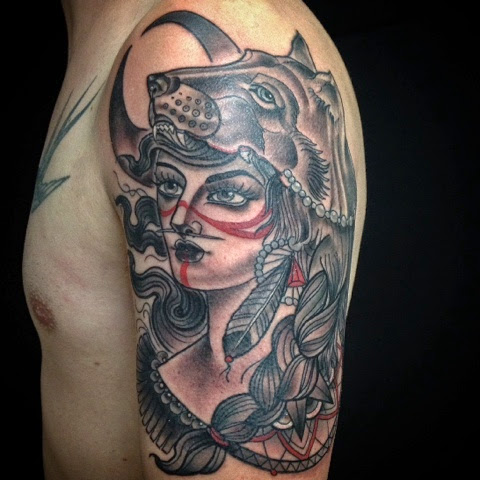 Tattoos by val day montreal wolf head tattoo lady wolf tatouage femme tete de loup - Tatouage de loup ...