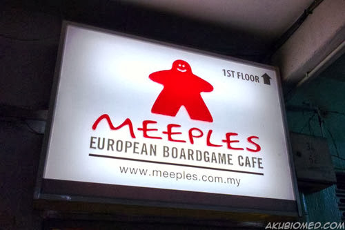 papan tanda meeples