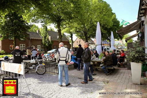 oldtimer bromfietsclub De Vlotter overloon 02-06-2013 (20).JPG