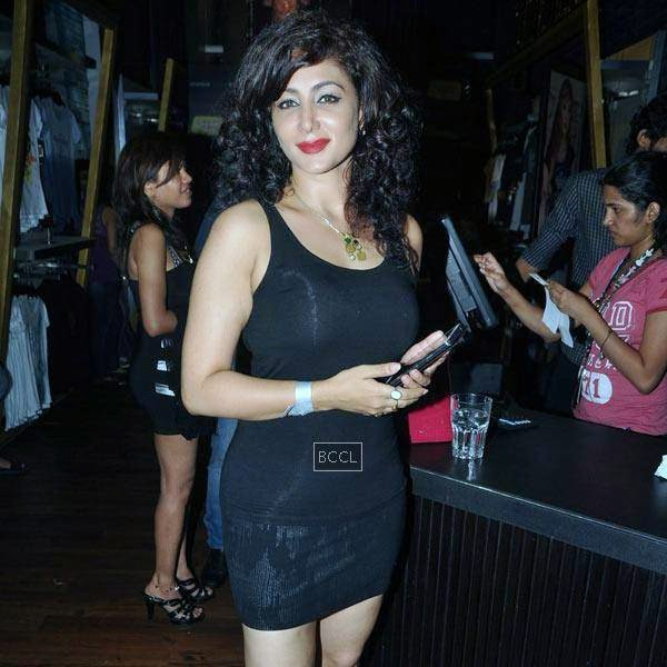 A guest during Ankit Tiwari's live concert, held at Hard Rock Cafe, on July 11, 2014.(Pic: Viral Bhayani)
