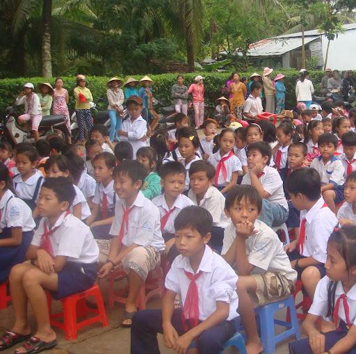 Tu Huynh Photo 28