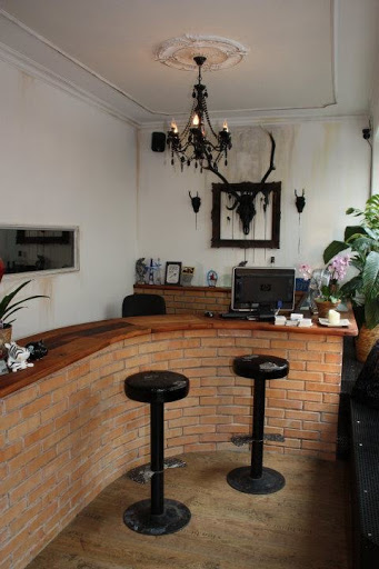 Woodpecker Tattoo & Piercing, Andreas-Hofer-Straße 20, 6020 Innsbruck, Österreich, Tattoostudio, state Tirol