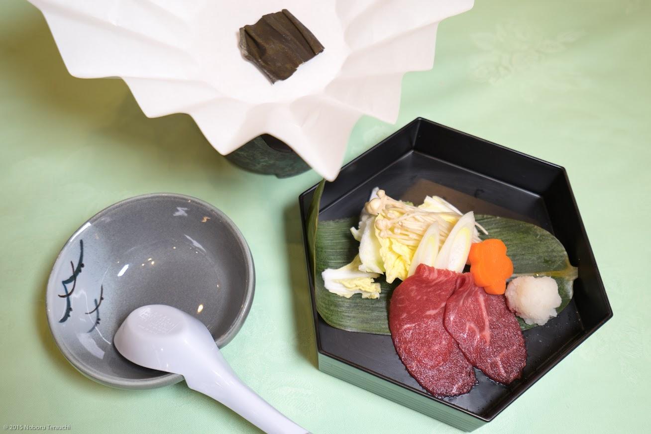 台物:道産牛のシャブシャブ、野菜(白菜、榎木)、自家製ポン酢
