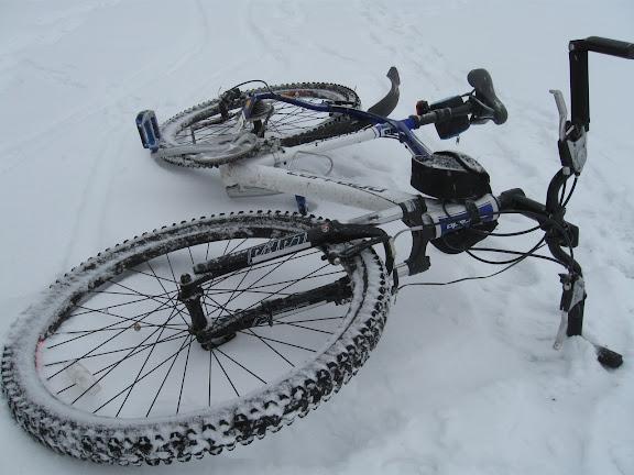 велосипедные покрышки CST по снегу