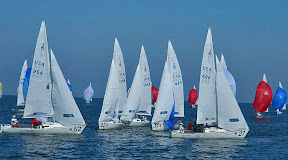 J/22 Worlds- sailing  around mark