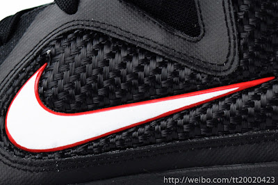nike lebron 9 gr black white red 2 03 LeBron 9 Quotes James Favorite Movie Gladiator. New Photos.