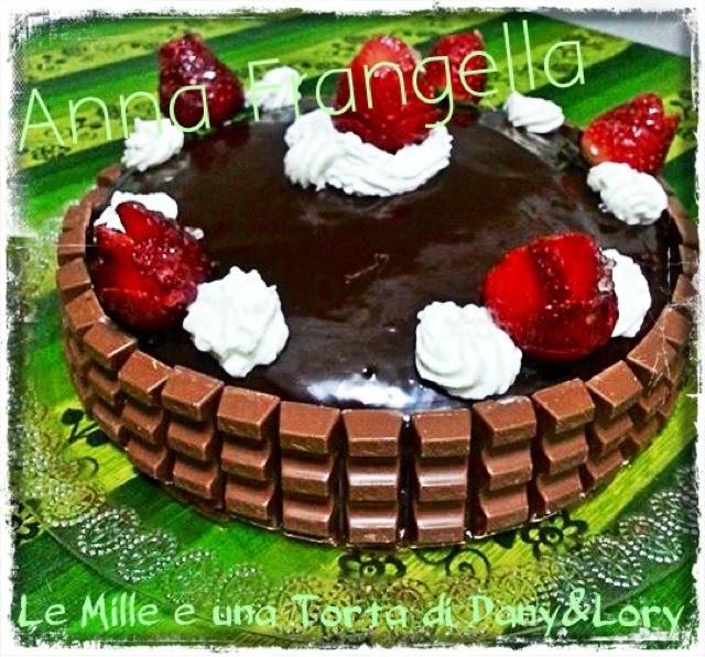 torta al cioccolato e panna, farcita con crema di latte