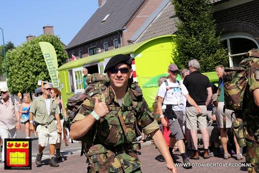 Vierdaagse Nijmegen De dag van Cuijk 19-07-2013 (20).JPG
