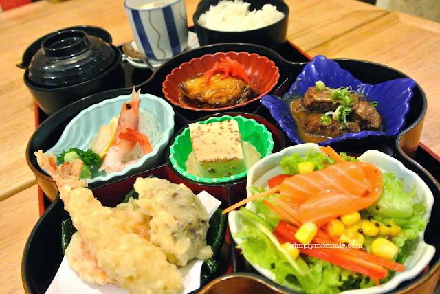 hoshigaoka review