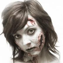Maquiagem zumbi cortes com papel machê