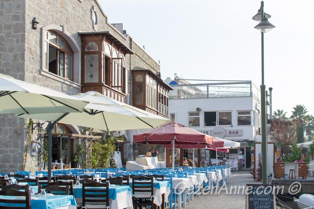 Bodrum, Yalıkavak'ta sahildeki restoranlar