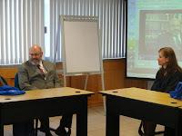 El Director del Instituto de Investigaciones Jurídicas de la UNAM conversa con los jóvenes.