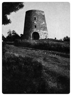 Windmühle mit Kammweg.