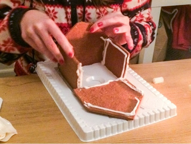 how-to-make-a-gingerbread-house