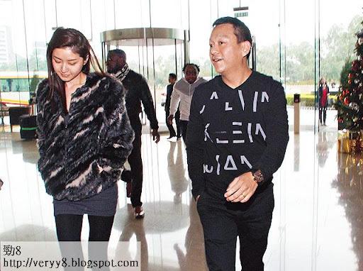 黃浩同老婆徐淑敏被近期新聞困擾,兩人愁爆。