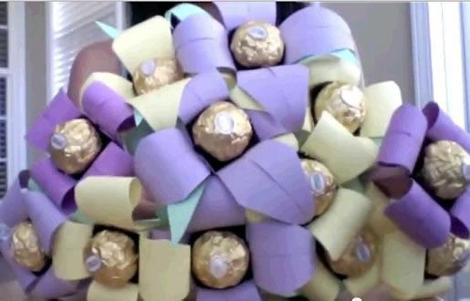 buque de flores de origami com bombons
