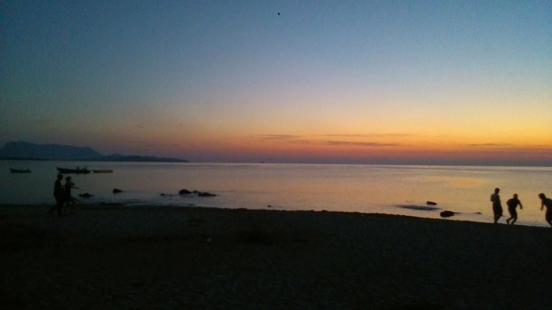 Солнце встает. Пляж напротив клуба. Амбра Найт