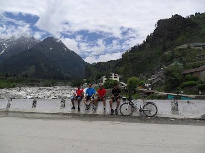 Manali to Kothi Cycling - Byas river
