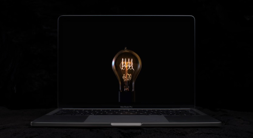 "New Apple MacBook Pro Light Bulb Commercial Featuring The Rossini Song ""William Tell Overture"""
