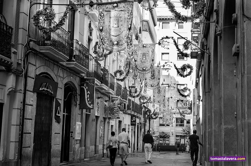 Nikon D5100, 35 mm, Paisajes, Urbana, Alicante, Blanco y negro, Calle San José, Hogueras 2014,
