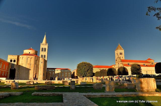 Задар. Развалины форума, церкви Св.Доната, Св. Анастасии и Св. Марии