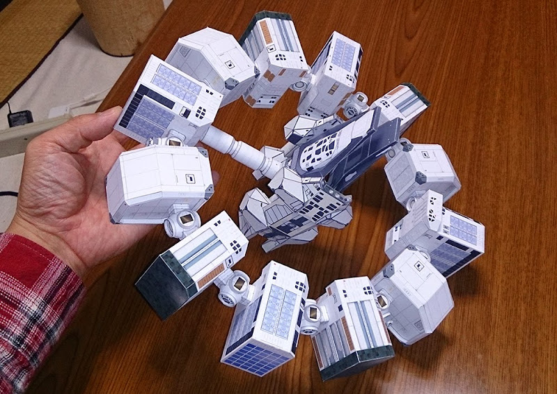 Interstellar Papercraft Endurance
