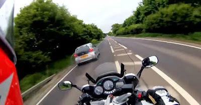Polícia Britânica Revela Vídeo De Motociclista Que Registou A Própria Colisão Mortal Com Carro
