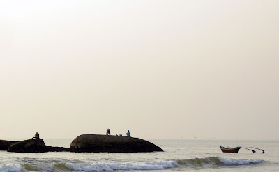 fishermen-agonda-beach-south-goa-india