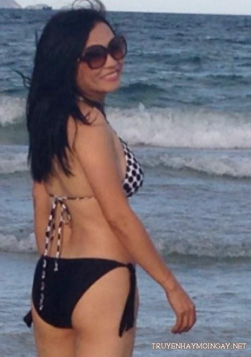 Ảnh bikini bỏng tay của sao Việt tứ tuần